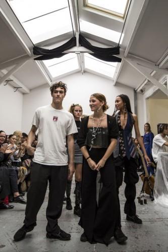 El diseñador de 17 años que rompe esquemas en la moda