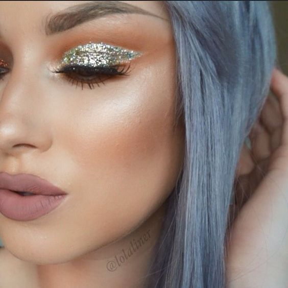 Cómo usar glitter en tu maquillaje esta primavera