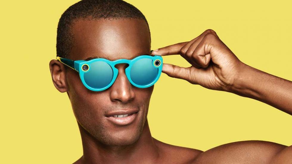 Fashion Report: Las gafas de Snapchat, las nuevas herramientas de compra que tendrá Instagram, la etiqueta que distingue si la ropa es libre de esclavitud infantil