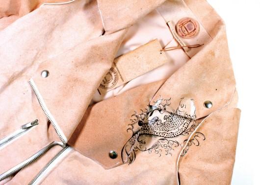 Fashion Report: Las piezas de la diseñadora que utilizará piel de Alexander McQueen, los nuevos talentos en látex de ASOS y los ganadores del Santiago International Fashion Film Festival.