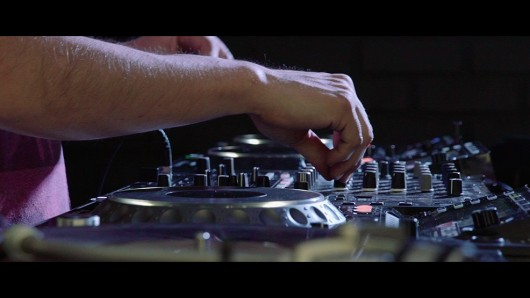 """#LiveYourMusic: """"Máquinas"""", el nuevo capítulo de la serie documental de la industria musical chilena"""