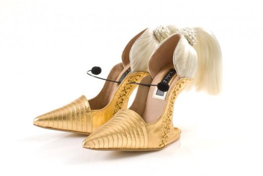Los originales zapatos de Kobi Levi