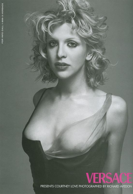 Flashback: Courtney Love para Versace, 1998