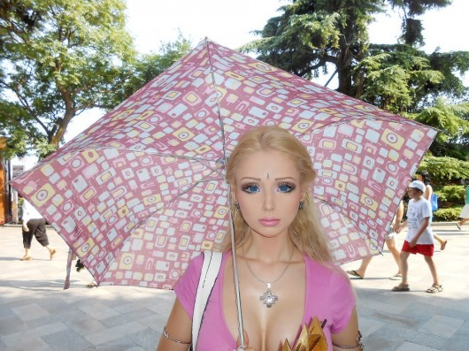 Barbie humana v/s hada: Valeria Lukyanova