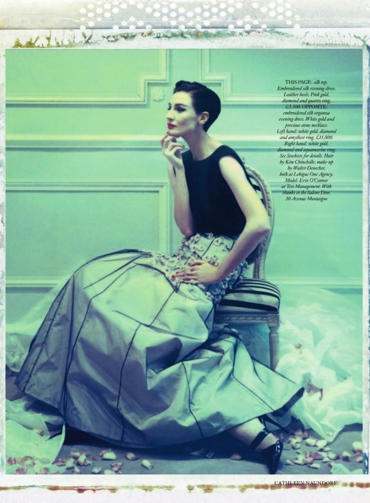 Erin O'Connor por Cathleen Naundorf para Harper's Bazaar, junio 2013
