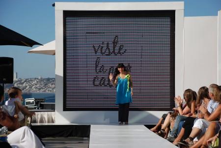 Makinita de Coser en Viña D Moda por VisteLaCalle