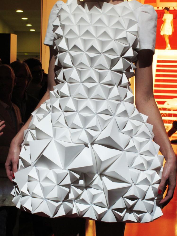 Desfile de papel por YokukuOroshi