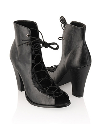 No entiendo estos zapatos: LA BOTA SANDALIA