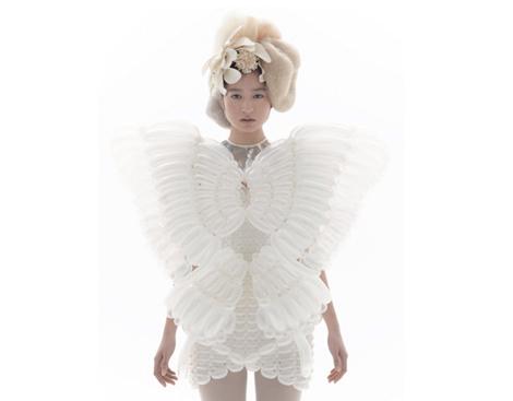 Rie Hosokai: vestidos hechos de aire