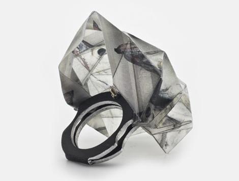 Lital Mendel y sus anillos de papel