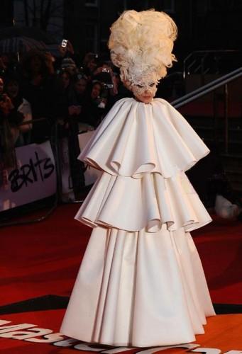 Lady Gaga y el vestido viviente