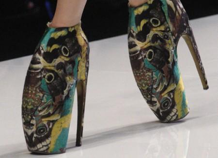 Los bizarros zapatos de Mc Queen