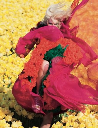 Julio florece en las portadas de Dazed & Confused