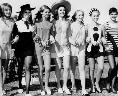 Minifalda: prenda que protagoniza el comienzo de los 70, símbolo de la liberación femenina