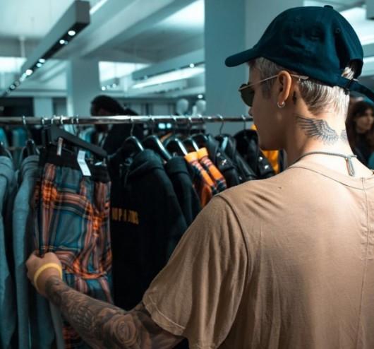 Justin Bieber y la línea de ropa que promociona su tour Purpose