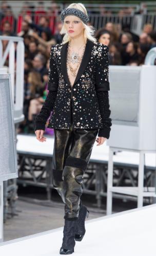 Chanel Fall Winter 2017-18: La colección retro-futurista de la elegante casa de modas