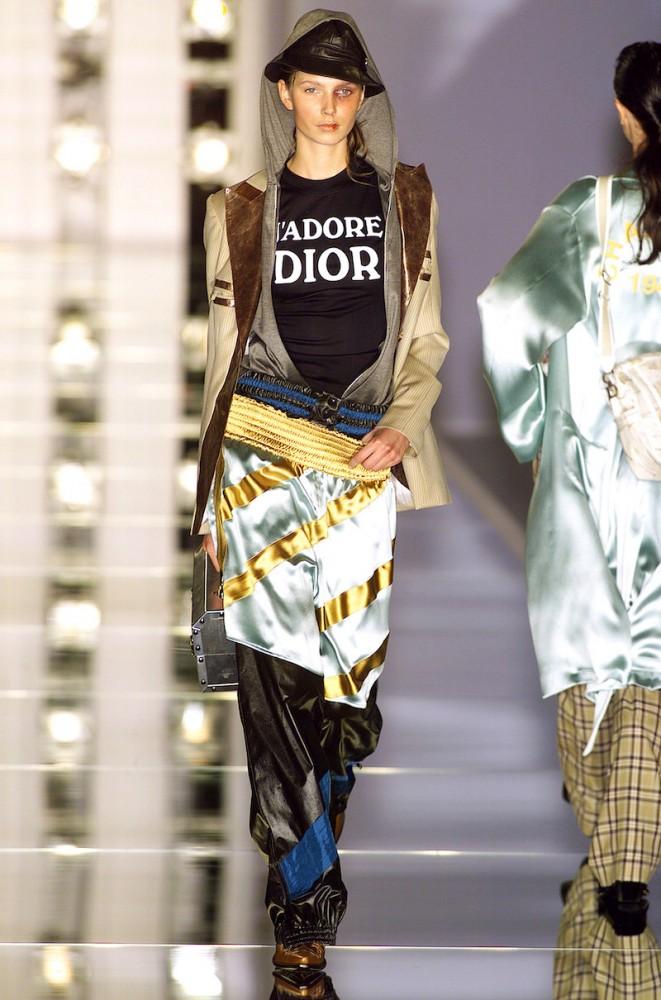 Flashback: Las populares poleras Dior y Dolce & Gabbana, 2000s