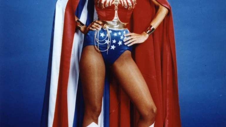 De Elvis a La Mujer Maravilla: El trabajo del vestuarista Donfeld