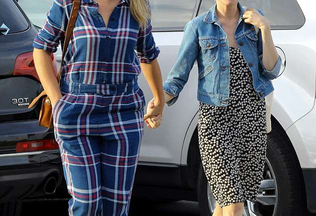 Michelle Williams y Busy Philipps, una amistad duradera