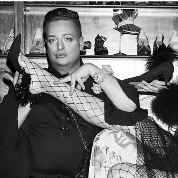 Entrevista a Gabriel Held, estilista y coleccionista de prendas vintage