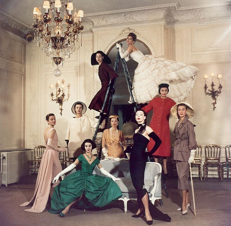 Dior celebra 70 años con la exhibición más grande de la moda en París