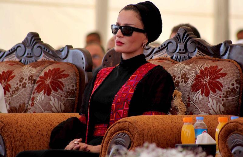 El peculiar estilo de Mozah Bint Nasser, la ex jequesa de Qatar