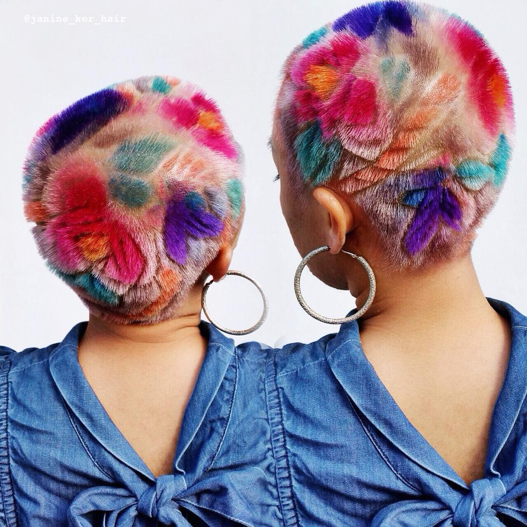Coloridos y extravagantes tatuajes de pelo