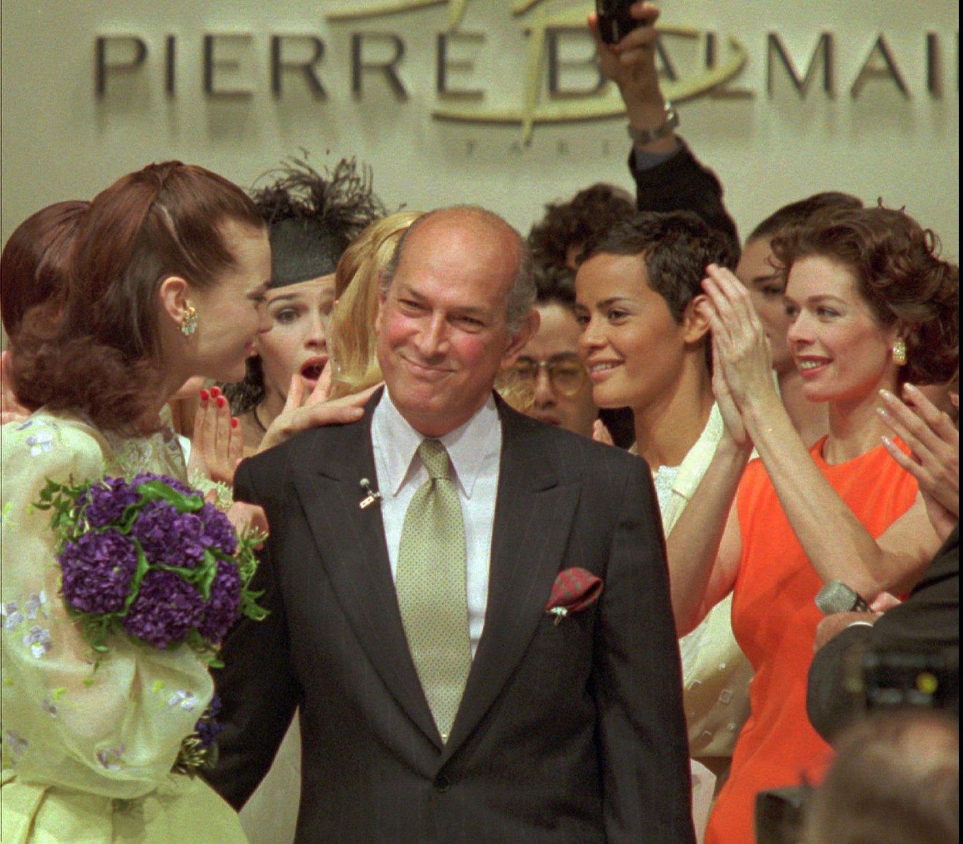 Balmain y su era Oscar de la Renta, 1992-2002