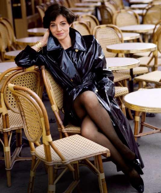 Joan Juliet Buck, la Editora en Jefe de Vogue París que se transformó en actriz