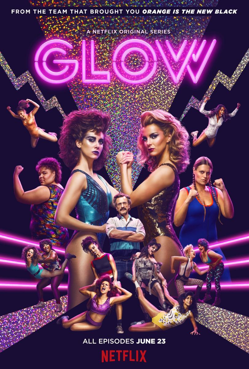 """La serie """"Glow"""": Un poco de feminismo y mucho glam"""