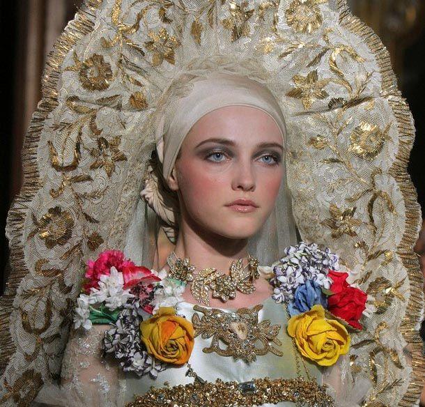 A propósito de Moda y Religión como tema de la gala MET 2018: Los mejores momentos religiosos de la moda y el espectáculo, parte II