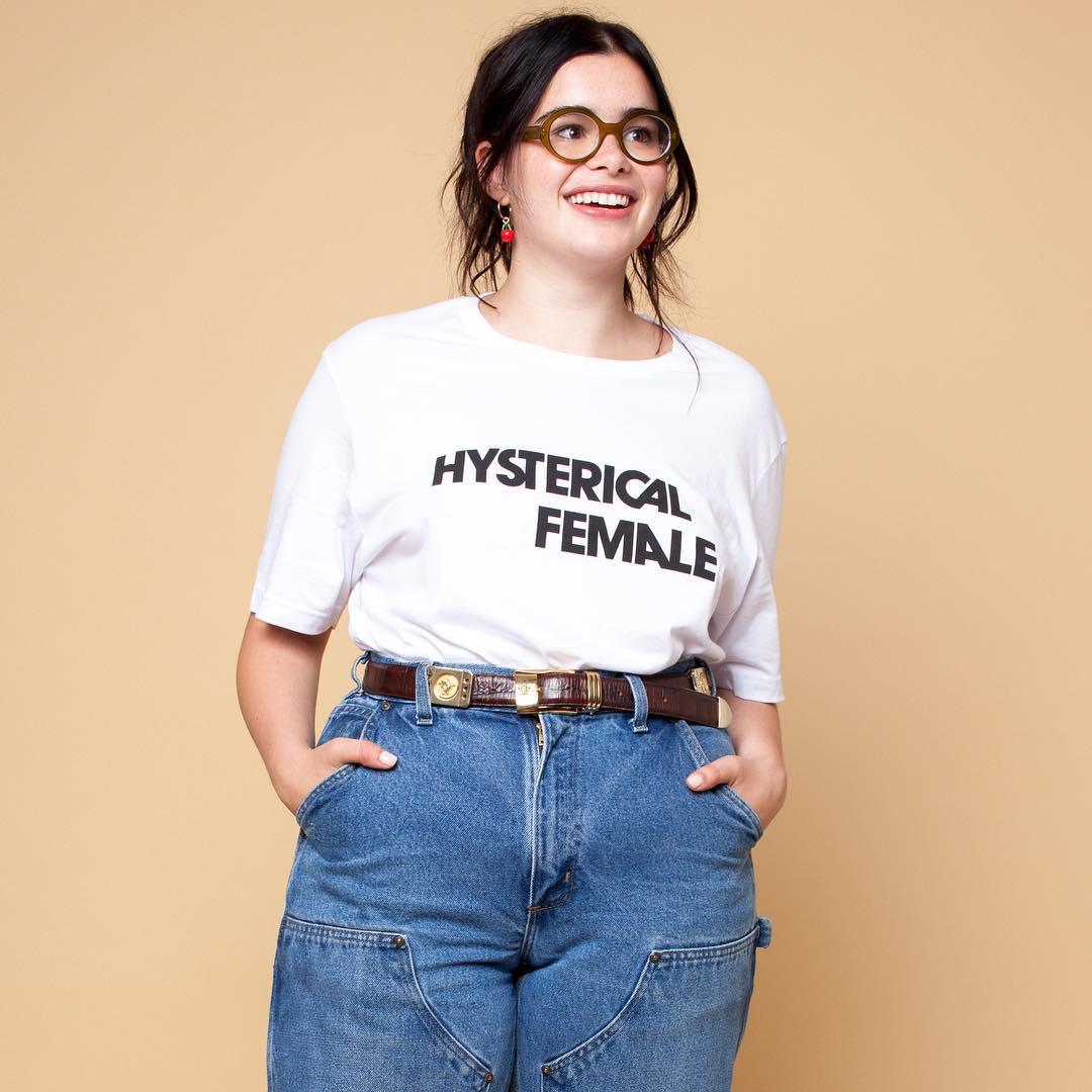 """""""Hysterical Female"""", la polera de la diseñadora Rachel Antonoff que reivindica a las mujeres"""