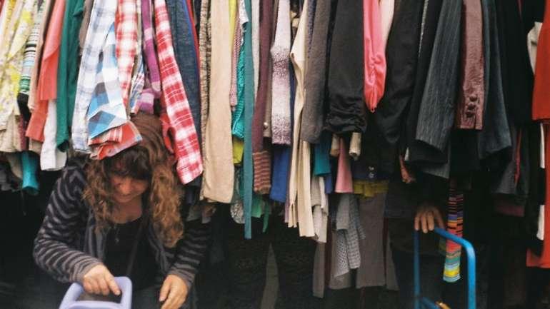 Falaferia.cl, un proyecto que une a los amantes de la ropa usada y las ferias libres