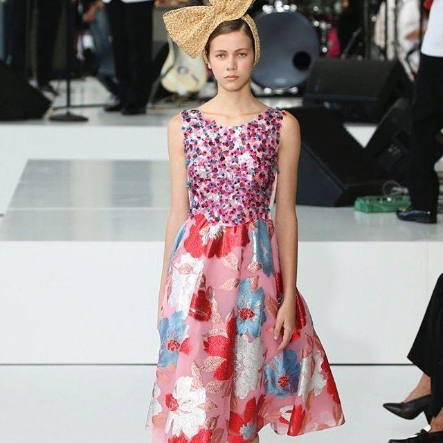 "Entrevista a la modelo mexicana Sarah Cano: ""Para mí fue un honor poder caminar para un diseñador de la talla de Josep Font en Delpozo"""