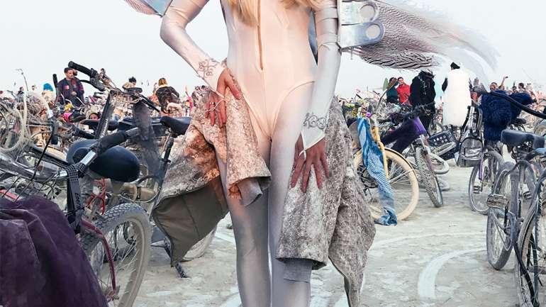 Los mejores looks de Burning Man 2017 x VisteLaCalle
