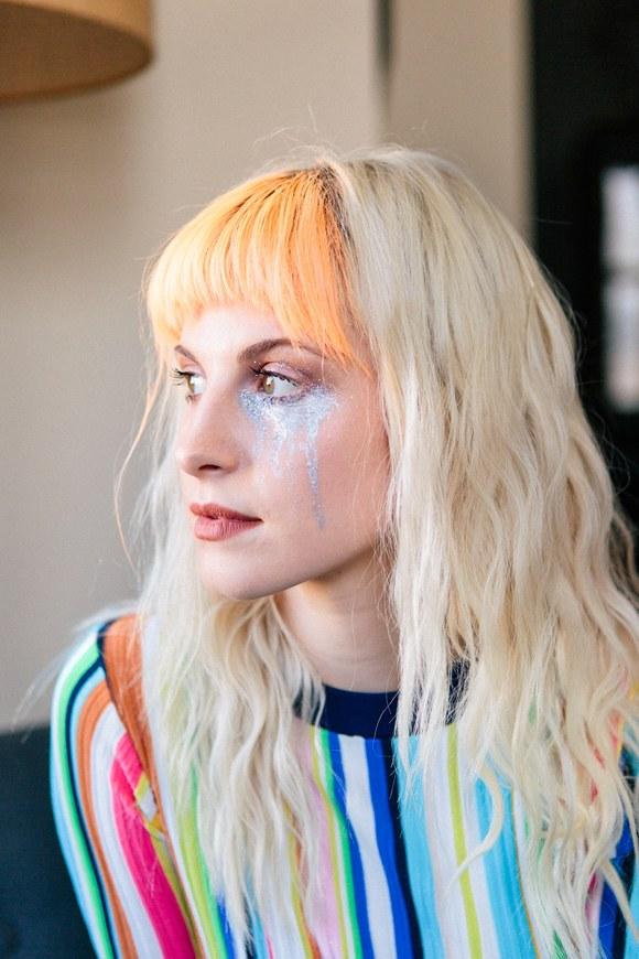 Poser Paste es lo nuevo para el pelo creado por Hayley Williams