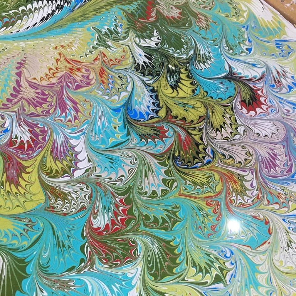 Mayu Silk Art, un lugar en las playas de California donde puedes crear tu propia bufanda