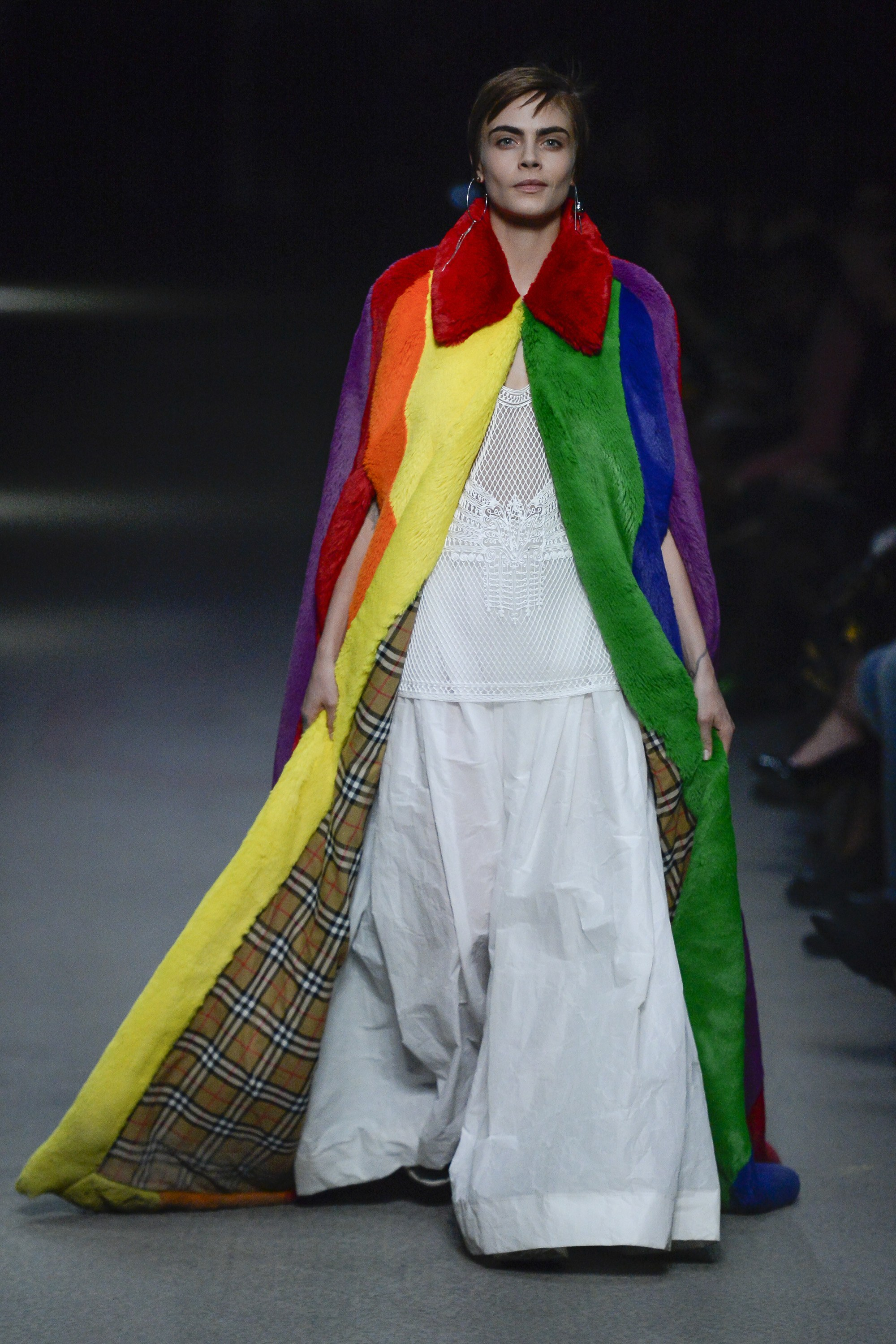 La colorida despedida de Christopher Bailey en Burberry