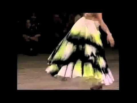 Los hitos de Alexander McQueen en video