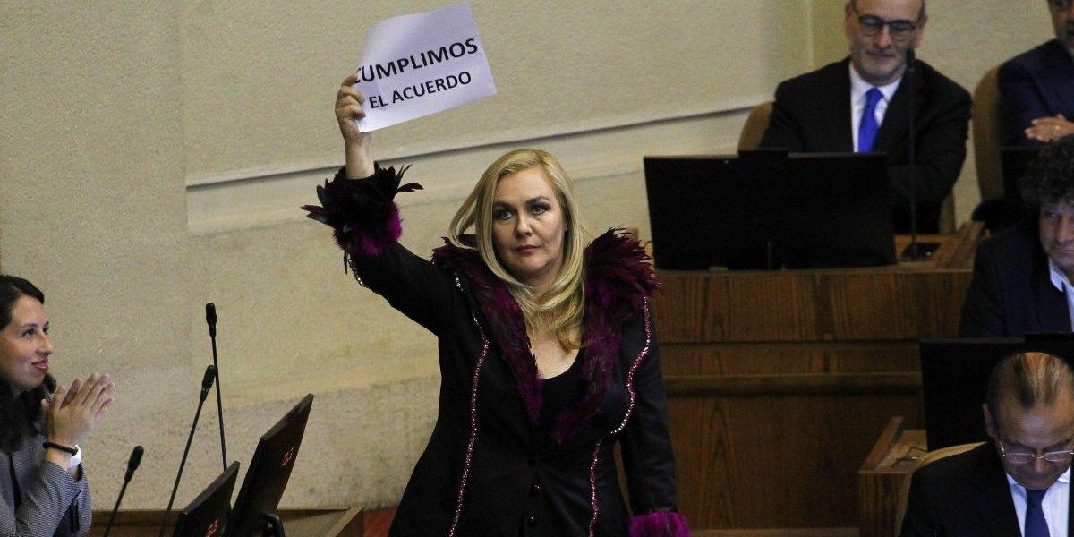 Moda y política: El día que Espínola vistió a Pamela Jiles