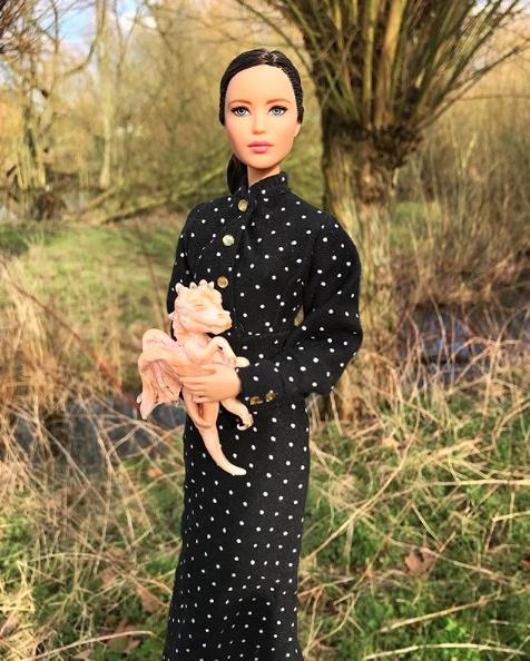 @Mccarbie, la cuenta de Instagram que une Barbies y momentos de pasarela