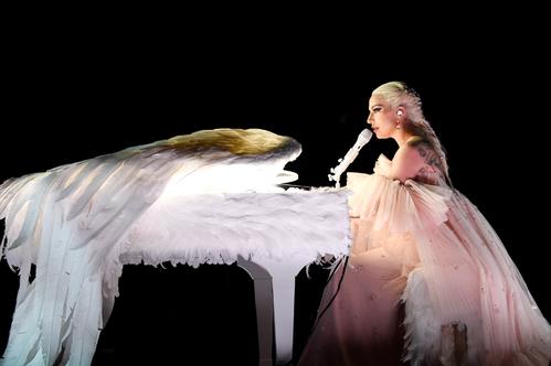 Desde Beyoncé a Jared Leto: Los mejores trajes de los conciertos 2018