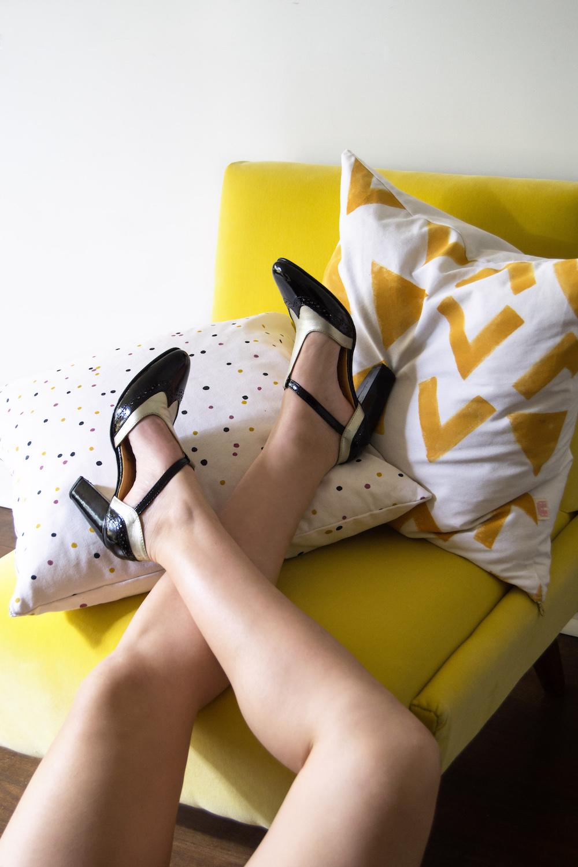 La nueva campaña de Casa Laporte junto a Casa Rosa: Zapatos y decoración