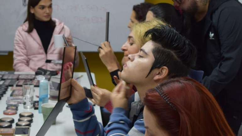Marcelo Bhanu nos cuenta su experiencia dictando el taller de maquillaje para personas transgénero