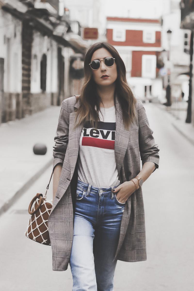 """Entrevista a @shoesandbasics, fashion blogger española: """"Ahora es esencial que la persona que realice un trabajo a una marca de verdad le aporte personalidad a ésta"""""""