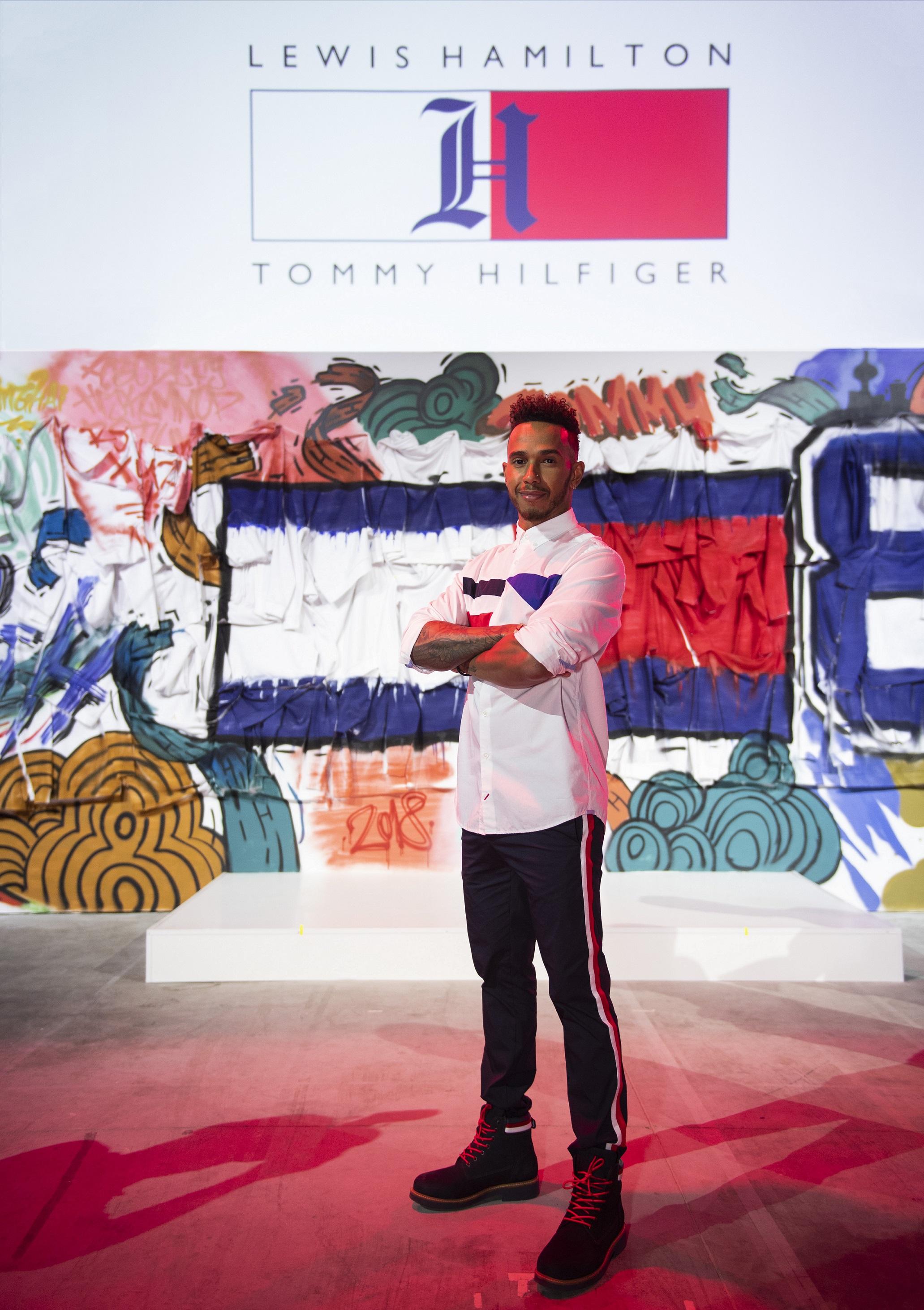 Conozcamos un poco sobre la colaboración entre Tommy Hilfiger y Lewis Hamilton