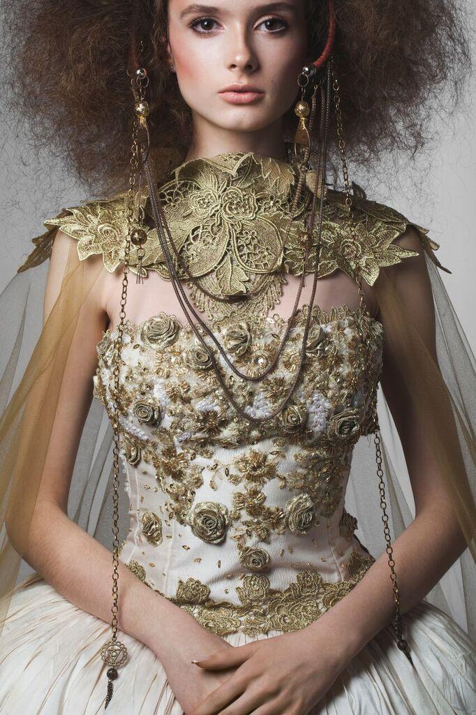 """Entrevista a la diseñadora Ximena Olavarria: """"La moda artística no es muy rentable, porque la gente tiene temor a sobresalir o sobrevestir"""""""