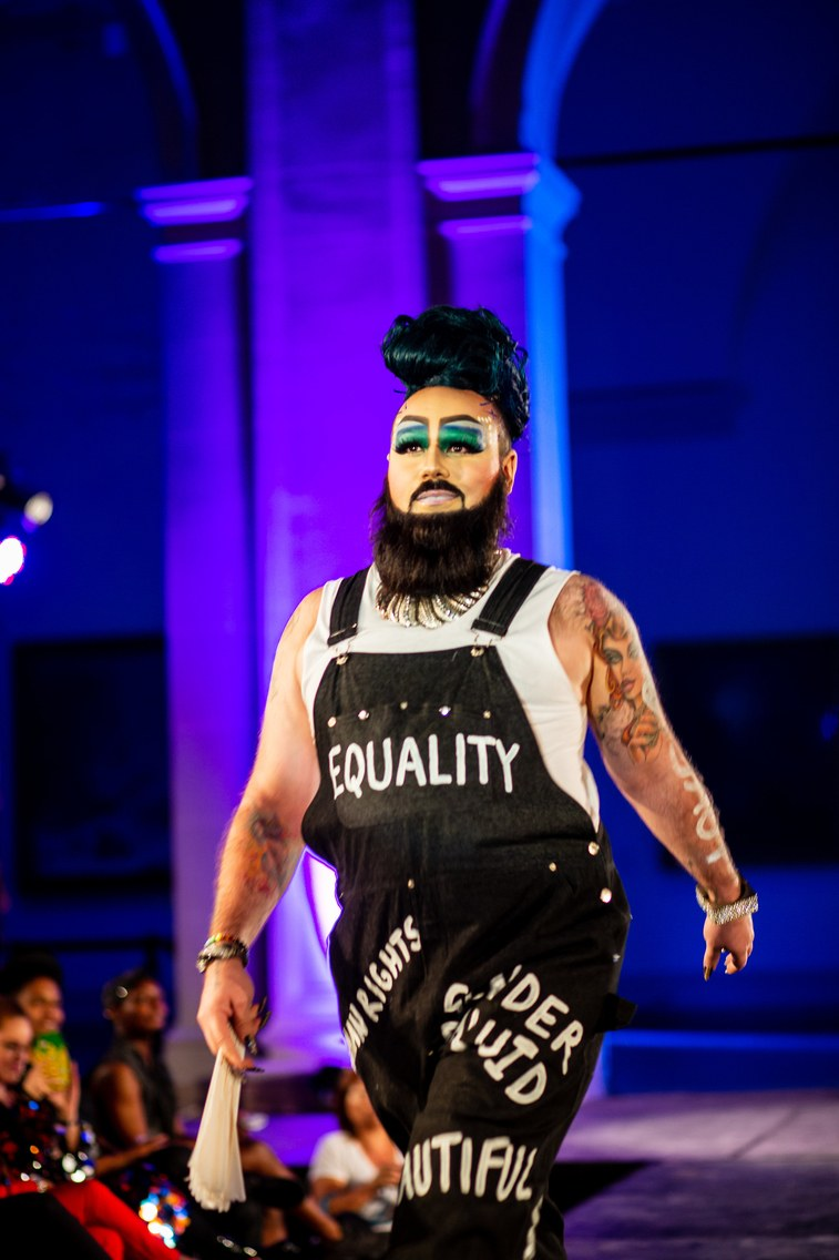 El desfile de DapperQ en New York Fashion Week rompió con las barreras impuestas por la sociedad
