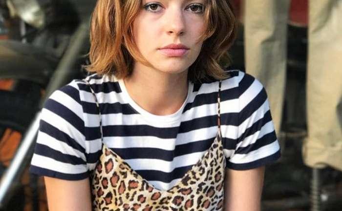 """Conozcamos a la actriz Brigette Lundy-Paine de la serie """"Atypical"""""""