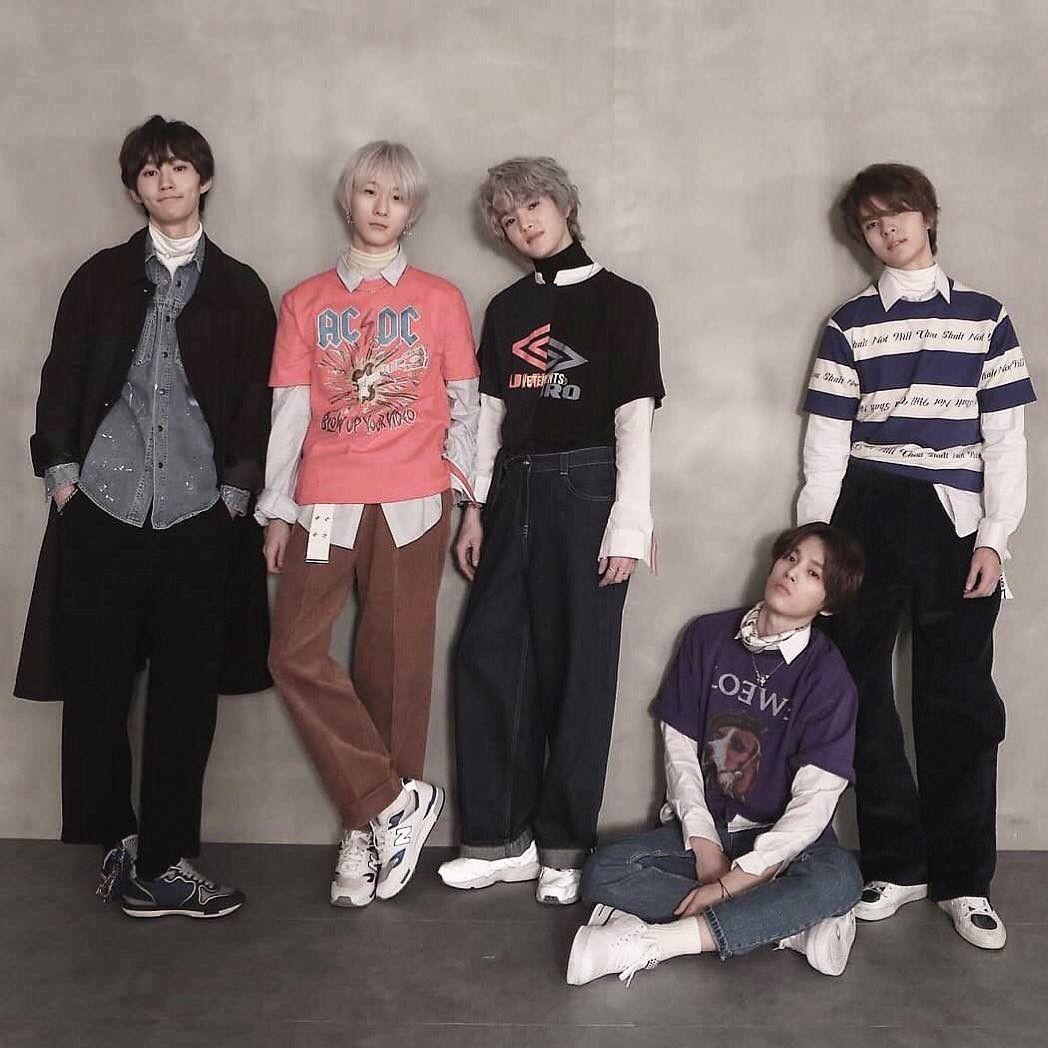 El grupo de k-pop W24 y su vocalista chileno